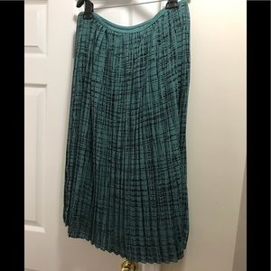 Beautiful Banana republic skirt with pleats